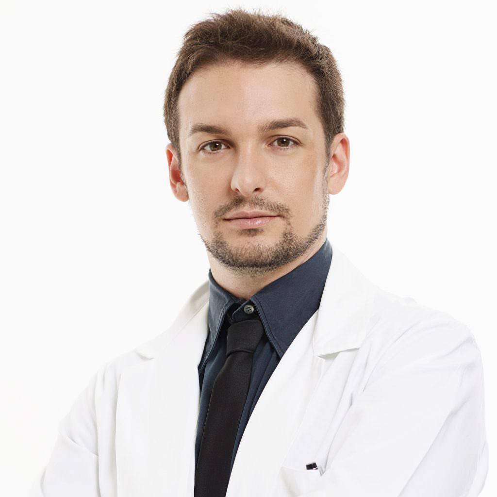 Dr. jonatann Gatti Medico e Chirurgo plastico
